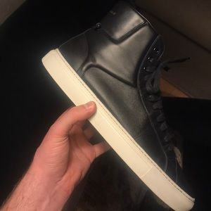 Givenchy hi top sneaker Authentic